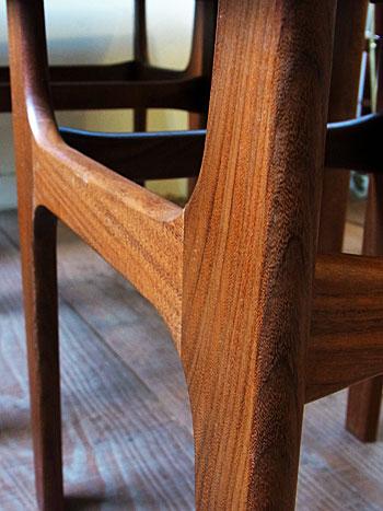 nesting table_c0139773_18105044.jpg