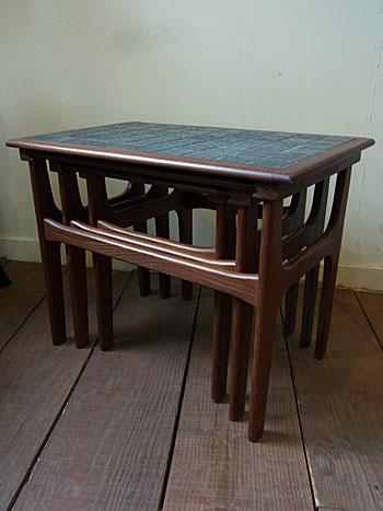 nesting table_c0139773_1862857.jpg