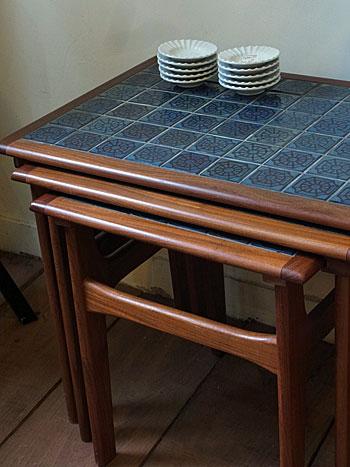 nesting table_c0139773_1864566.jpg