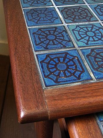 nesting table_c0139773_1883459.jpg