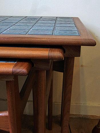 nesting table_c0139773_1885992.jpg