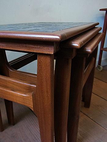 nesting table_c0139773_189731.jpg