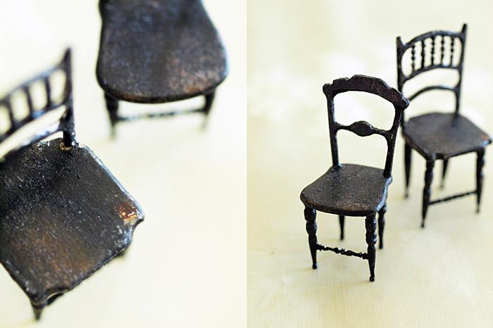 miniaure* 椅子  アンティークファブリックと、レリーフ_e0172847_09441315.jpg