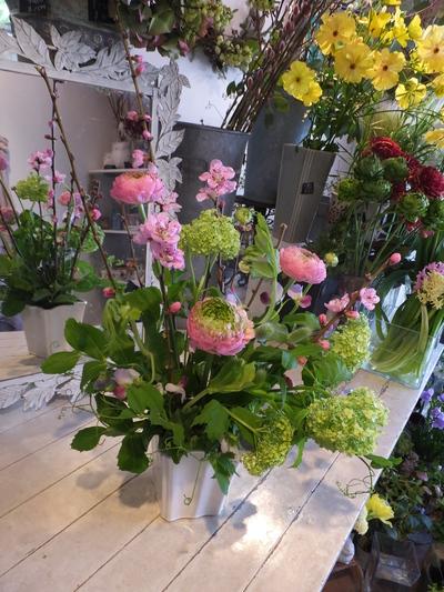 オークリーフ花の教室(春の花木を使って)_f0049672_18404381.jpg