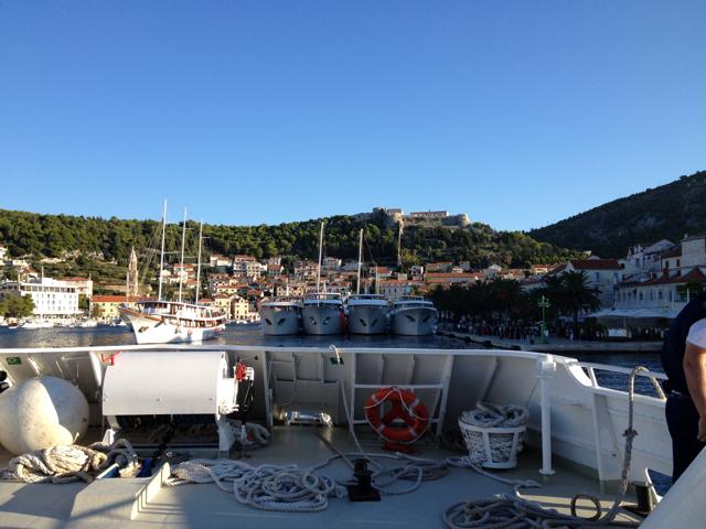 コルチェラ島から日帰りでフヴァル島へ_d0256883_3441511.jpg