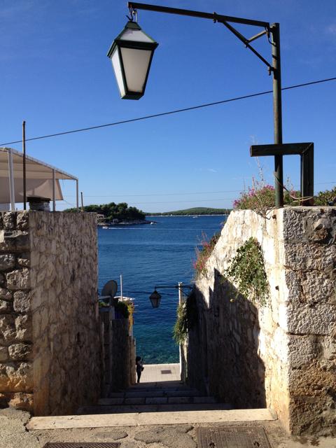 コルチェラ島から日帰りでフヴァル島へ_d0256883_3525611.jpg