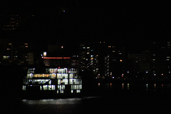 桜島フェリーから見た鹿児島の夜景_d0202264_22505036.jpg