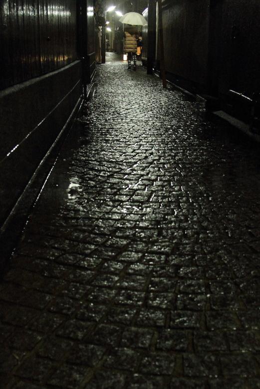 雨の夜_b0190710_2013322.jpg
