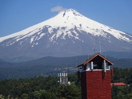 """南米チリの""""富士山""""こと、ビジャリカ山が大噴火!:日本の富士山の代わりに大噴火!?_e0171614_7275334.jpg"""