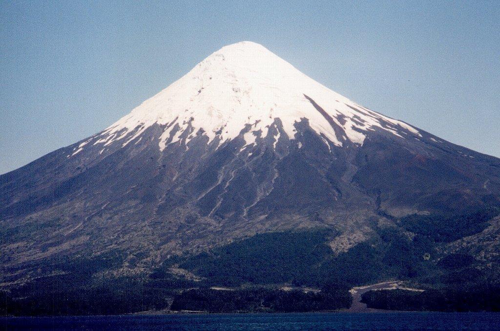 """南米チリの""""富士山""""こと、ビジャリカ山が大噴火!:日本の富士山の代わりに大噴火!?_e0171614_7275572.jpg"""