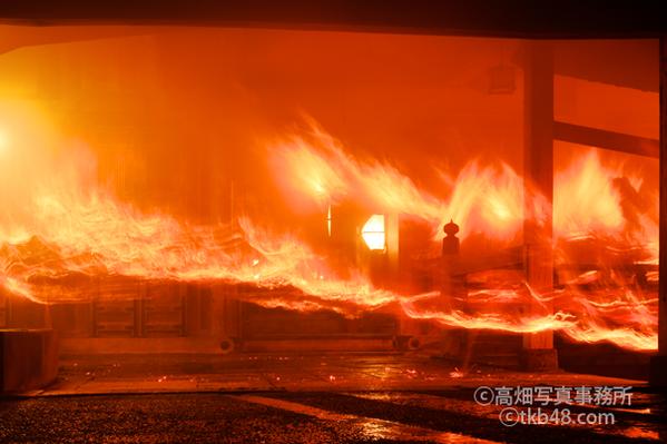 東大寺二月堂修二会のお松明 The big torch of SHUNIE ceremony._e0245846_13285072.png