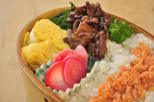 牛とブロッコリー炒めのお弁当_b0171098_15131327.jpg