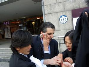 韓国で米駐韓大使暗殺未遂テロが発生!:もはや韓国はテロ国家指定間近ですナ!_e0171614_11333178.jpg