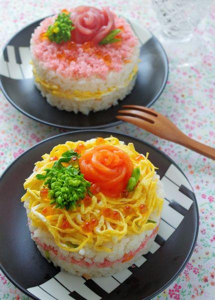 サーモンとマグロでお花の形に!ケーキのようにかわいいミニちらし寿司!【レシピ付き】