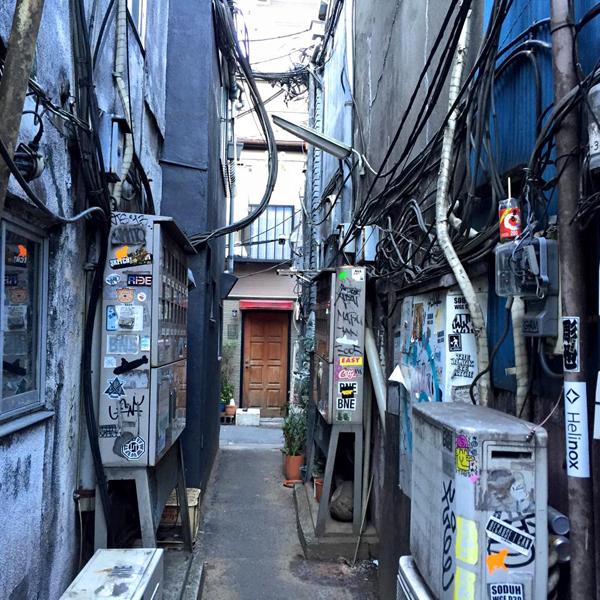 新宿ゴールデン街 / iPhone 6_c0334533_20383999.jpg