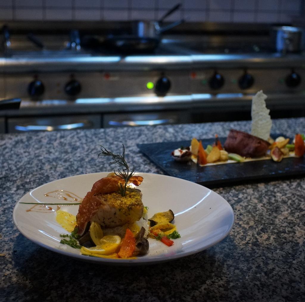 我らがAMPELMANNレストランの新しい料理長。_c0180686_06554231.jpg