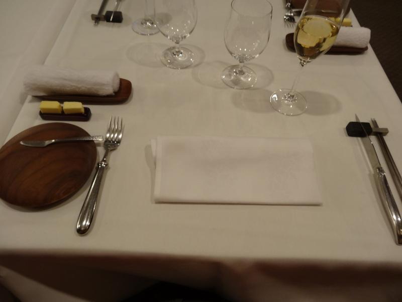 銀座でミシュラン1つ星のステーキ屋さん、牛肉もフレンチの前菜や魚料理もとても美味しいのです。_c0225997_12521892.jpg