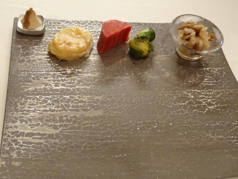 銀座でミシュラン1つ星のステーキ屋さん、牛肉もフレンチの前菜や魚料理もとても美味しいのです。_c0225997_1514584.jpg
