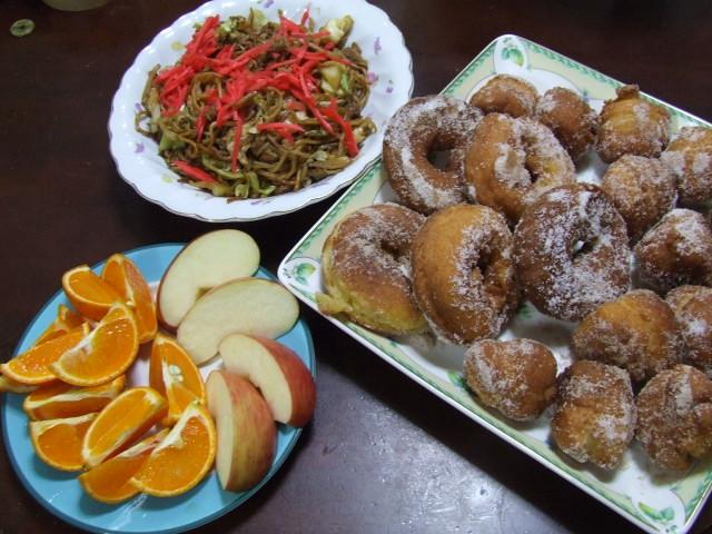 豆腐ドーナツの朝食_f0019498_6525059.jpg