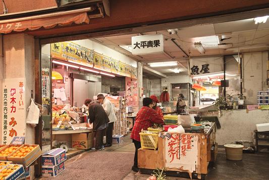 長崎県西浦上「住吉食品市場/中通市場」_a0096313_1240416.jpg