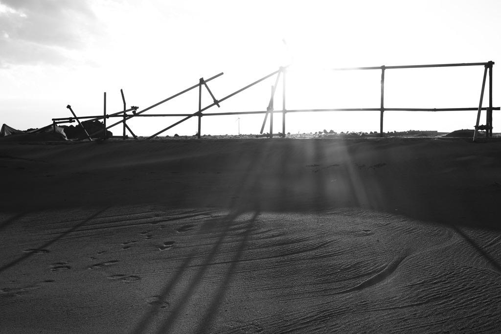 モノクロで浜辺_d0116804_10240178.jpg