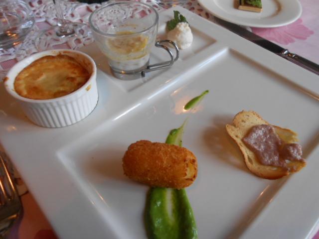 美食の街にある有名レストラン_b0305039_5251325.jpg