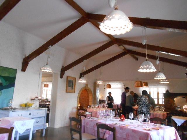 美食の街にある有名レストラン_b0305039_5293952.jpg