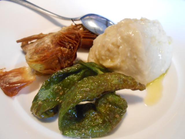 美食の街にある有名レストラン_b0305039_5371286.jpg