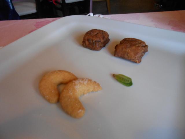 美食の街にある有名レストラン_b0305039_5432767.jpg