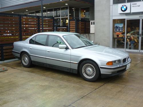 珍しい訪問者 クルマ編5 BMW 740iA_e0254365_2035421.jpg