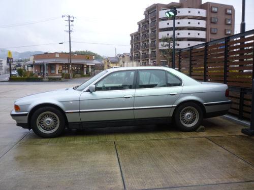 珍しい訪問者 クルマ編5 BMW 740iA_e0254365_20364473.jpg