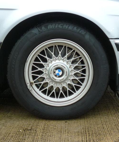 珍しい訪問者 クルマ編5 BMW 740iA_e0254365_20384368.jpg