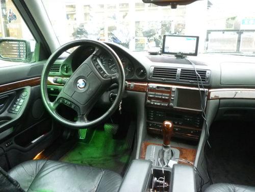 珍しい訪問者 クルマ編5 BMW 740iA_e0254365_2041554.jpg
