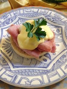 Eggs Benedictで簡単ランチ♪_f0238789_19453559.jpg
