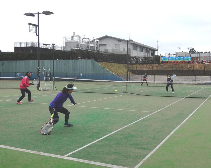 ネストテニスクラブとの親善試合を開催_b0114798_11195877.jpg