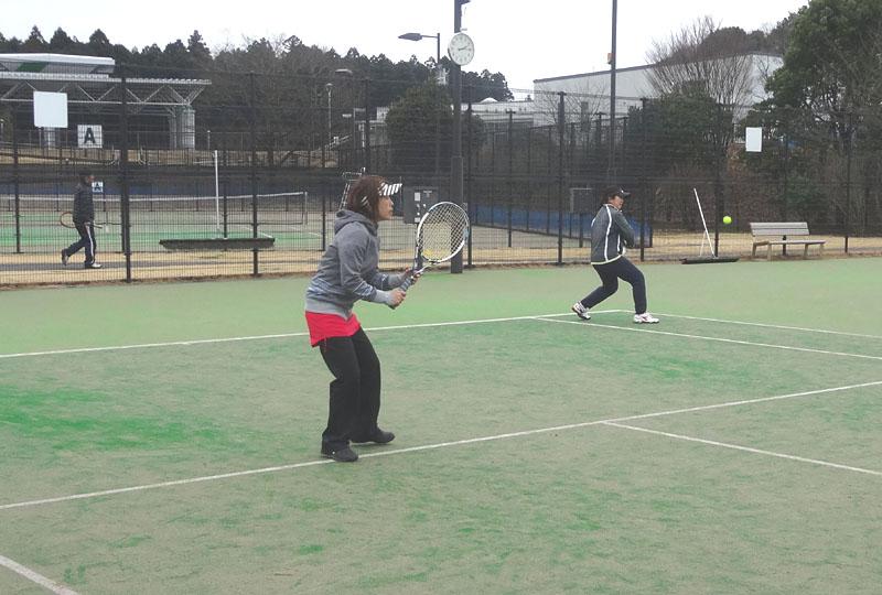 ネストテニスクラブとの親善試合を開催_b0114798_1120228.jpg