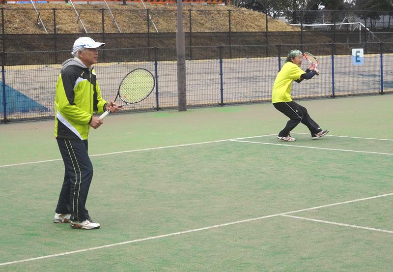 ネストテニスクラブとの親善試合を開催_b0114798_11215629.jpg
