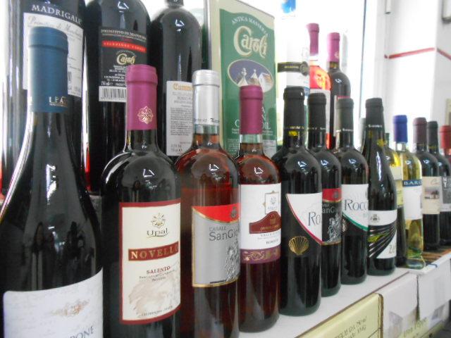 ロコロトンドのワイン直売所_b0305039_23195397.jpg
