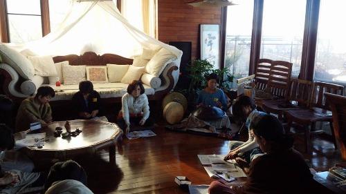 屋久島の木を磨くワークショップ冬フイナーレ!_b0160957_2033445.jpg