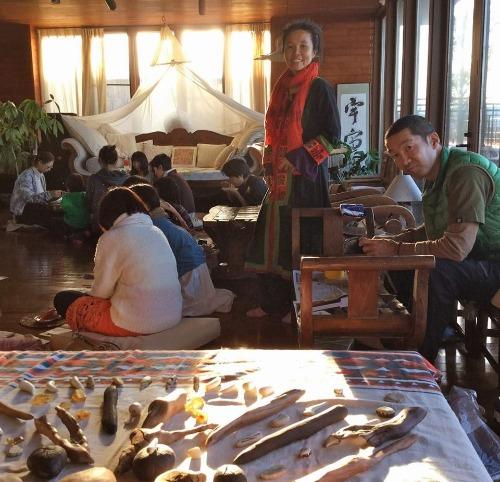 屋久島の木を磨くワークショップ冬フイナーレ!_b0160957_203586.jpg