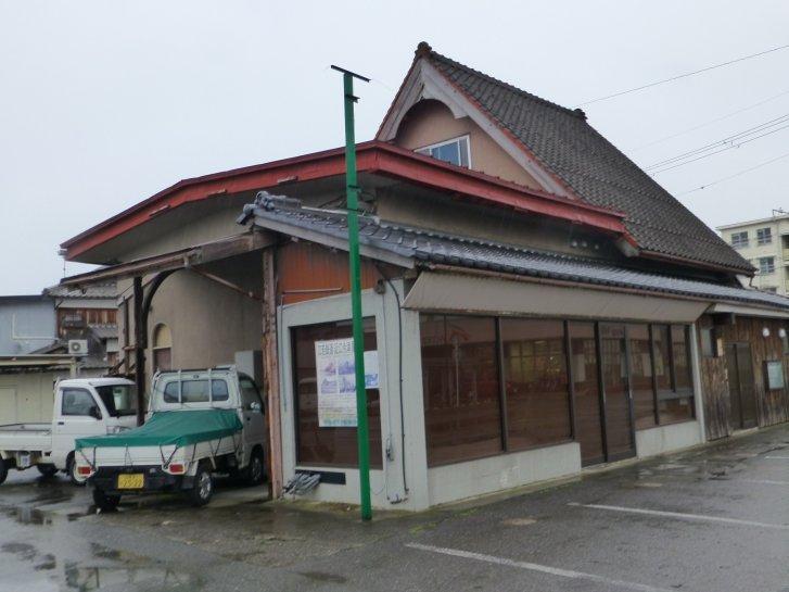 駅舎_c0051620_19193237.jpg