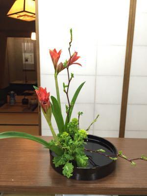 生け花のお稽古で。。。_e0086864_2136510.jpg