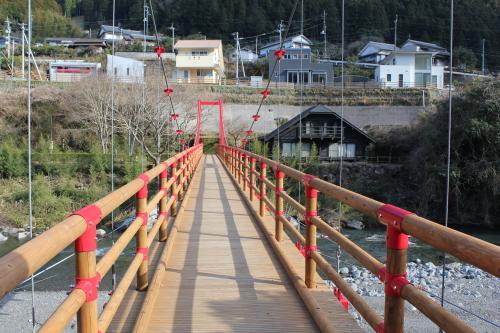 吊り橋_e0101917_08095323.jpg