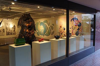 横浜美術大学卒業制作有志展「地点」開催中です。_f0171840_12185716.jpg