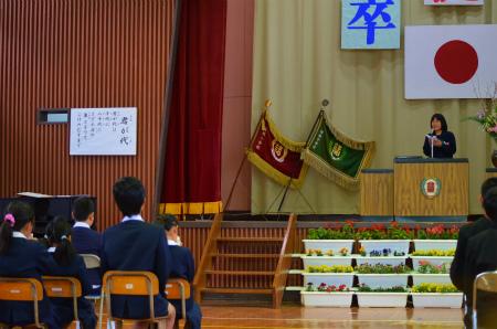 諸鈍小中学校卒業式!_e0028387_1422686.jpg