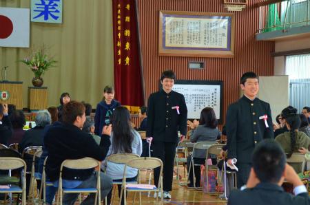 諸鈍小中学校卒業式!_e0028387_14302213.jpg