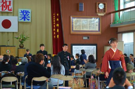 諸鈍小中学校卒業式!_e0028387_1430785.jpg