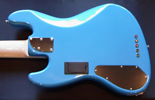 横倉くんオーダーの「Modern 5 JH-Bass #002」が完成!_e0053731_16181468.jpg
