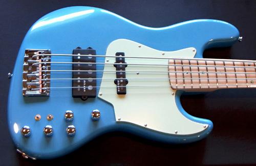 横倉くんオーダーの「Modern 5 JH-Bass #002」が完成!_e0053731_16183338.jpg