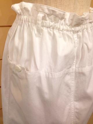white スカート_e0268298_18334716.jpg